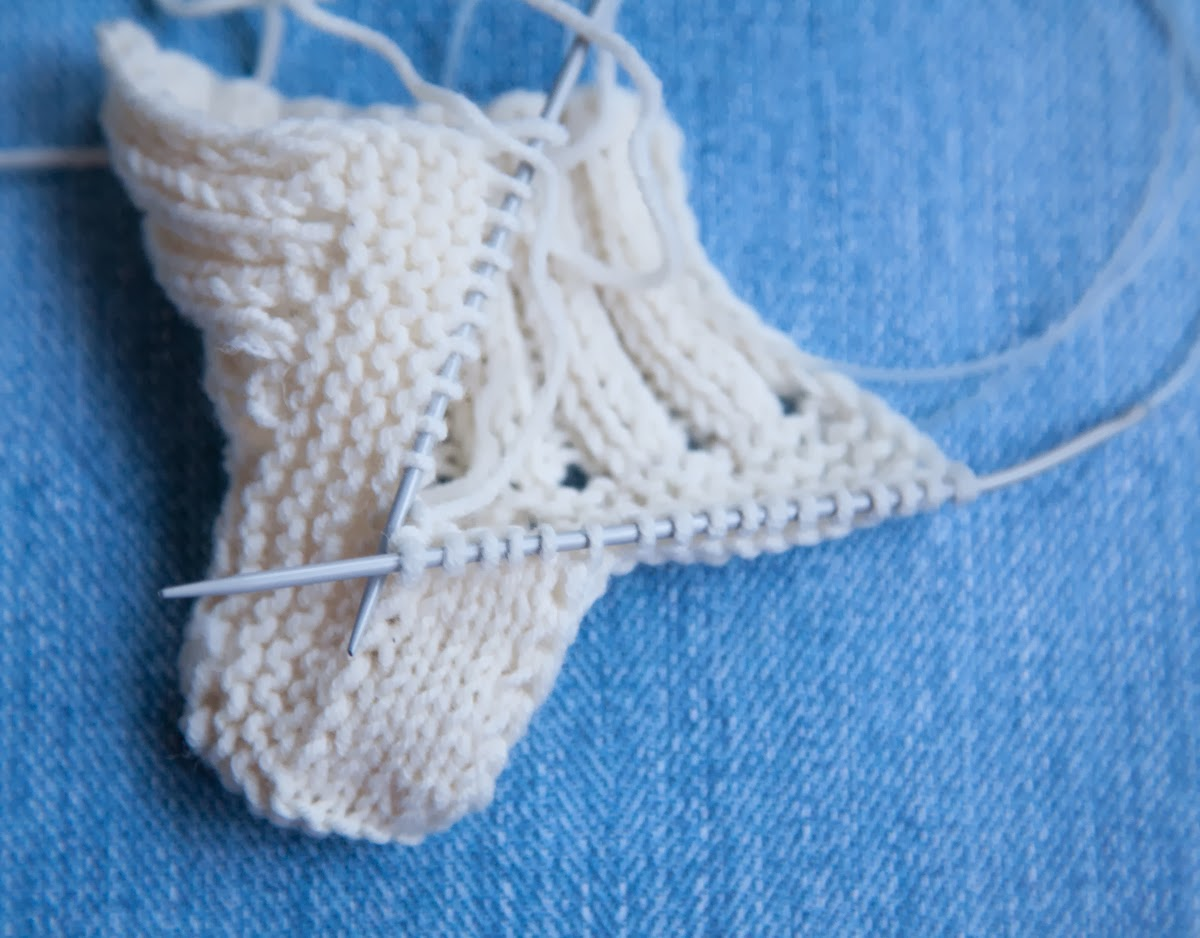 baby feet booties instructions