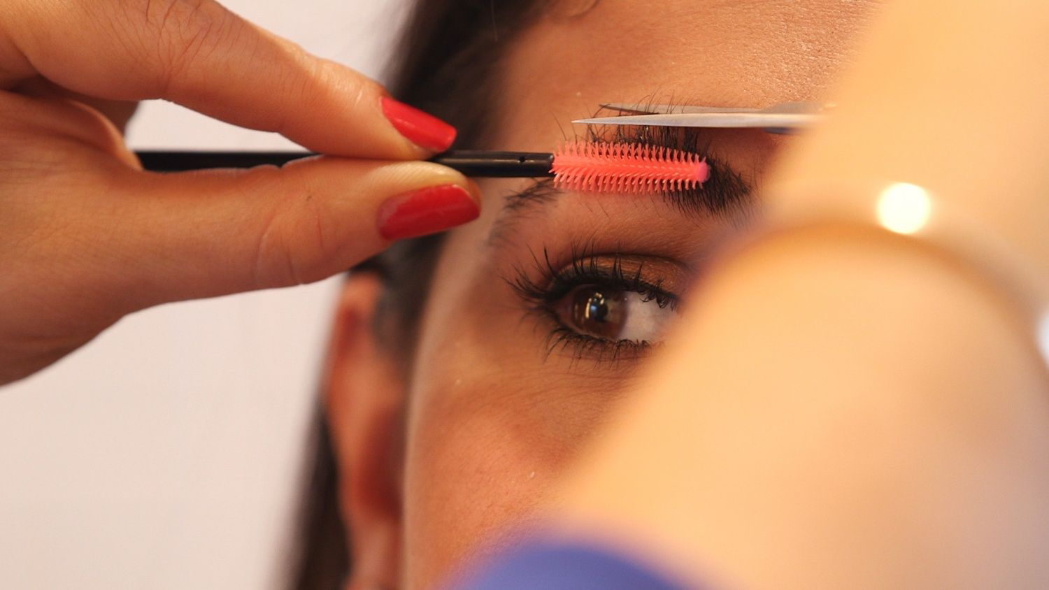 how to pluck your eyebrows instructions