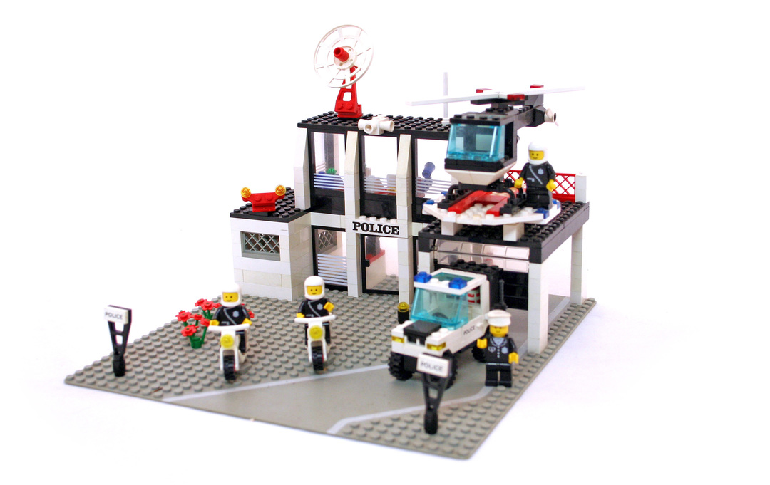 lego police command base instructions